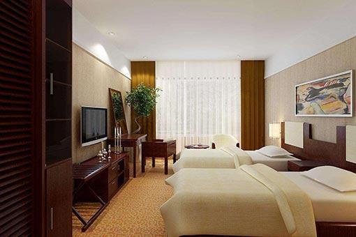 美式酒店家具在表现手法上喜欢用深色木质来装饰,显示其怀旧的