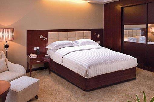 酒店床图片