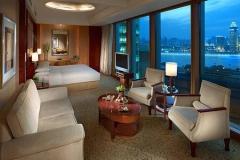 酒店家具为什么要定期打蜡?
