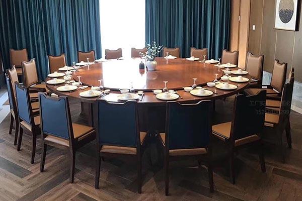 新款式酒店餐桌椅图片
